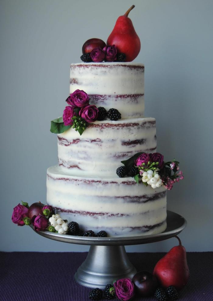 naked cake, gateau piece montee, trois étages, plusieurs entremets nappés de glaçage blanc