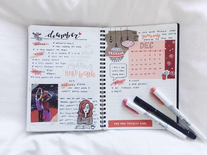 agenda scolaire stylé, semainier et calendrier mensuel, techniquess scrapbooking images collées, dessins et photo de son groupe de musique préféré