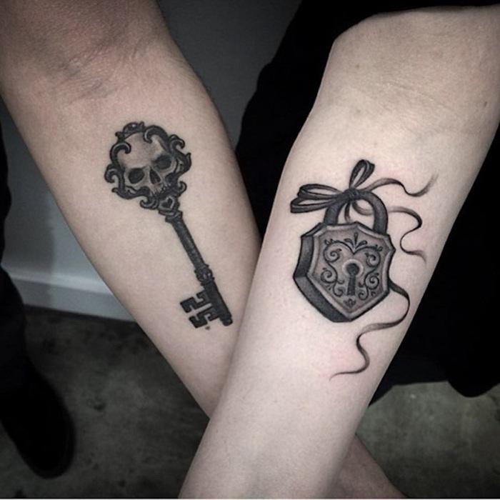 Idée de tatouage cadenas symbole d'amour et fidelite tatouage en commun choisir un tattoo discret