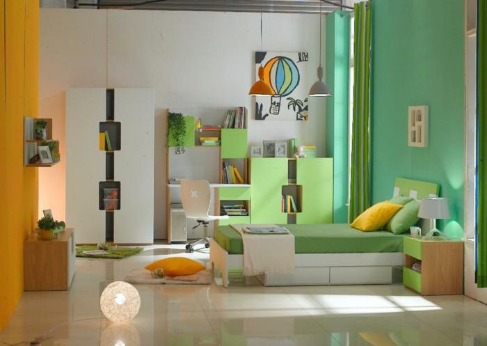 décoration pour la chambre garcon ado, éléments de la déco verts, armoire originale, coussins déco