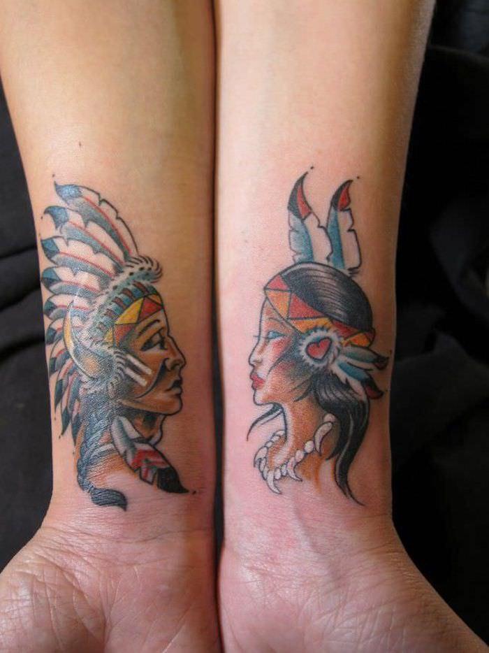 Indiens tatouage symbole couronne de plumes, tatouage pour les couples qui s aiment, homme et femme qui s aiment, tattoo qui se complète