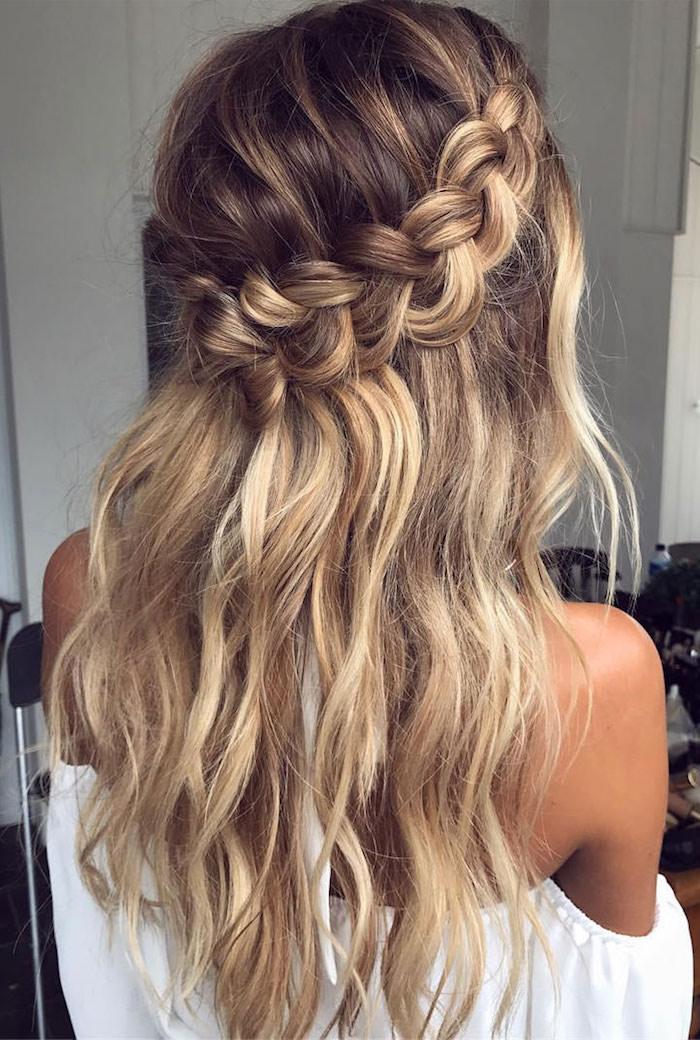 Une coiffure champetre mariage, coiffure femme mariage, la mariée bohème photo coiffure hippie chic