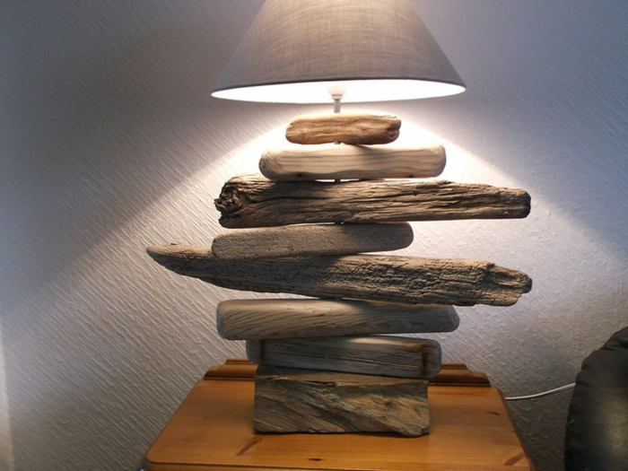 lampe bois flotté, lampe abat-jour, lampe de table originale créée avec matériaux uniques