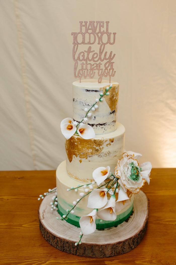 Idée piece montee mariage, wedding cake mariage, gateau de mariage de luxe, fleurs pour decoration