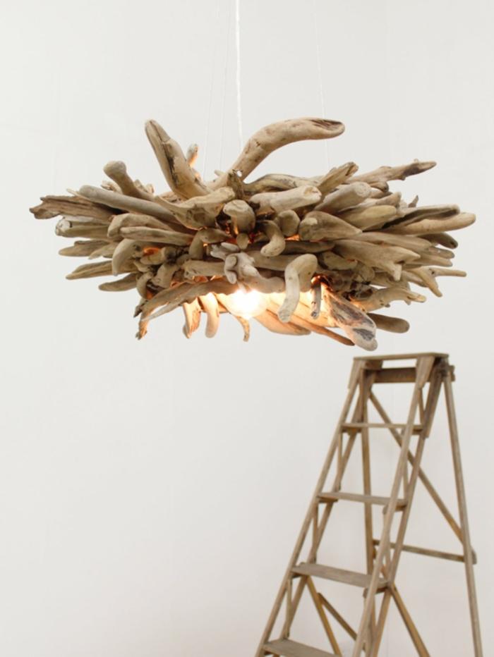 lustre bois flotté, suspension bois flotté artistique, faire des objets de bois