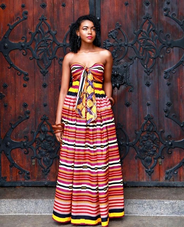 robe d'été longue à bustier coeur avec noeud de style créole, à motifs rayures, vetement africain femme pour un style d'été qui associe confort et authenticité