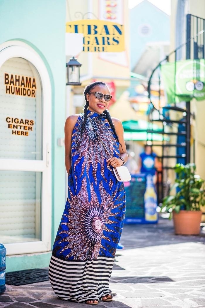 modele de robe africaine longue motif gros soleil à col ras-de-cou modernisé par des rayures sur le bas, à porter avec ou sans ceinture