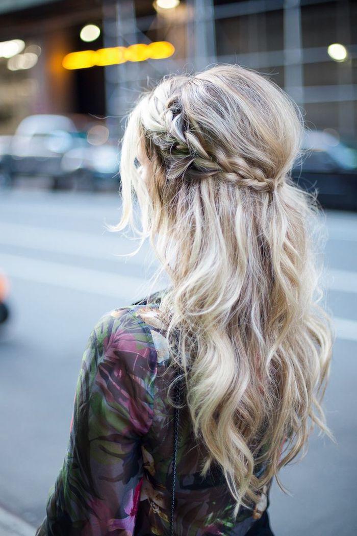 Inspiration photos coiffure de mariage, coiffure mariage invitée boheme femme stylée, le boho chic, tresse couronne