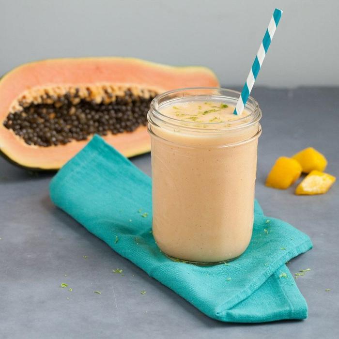 recette de milkshake papaye et mangue, recettes exotiques pour boisson rafraîchissante