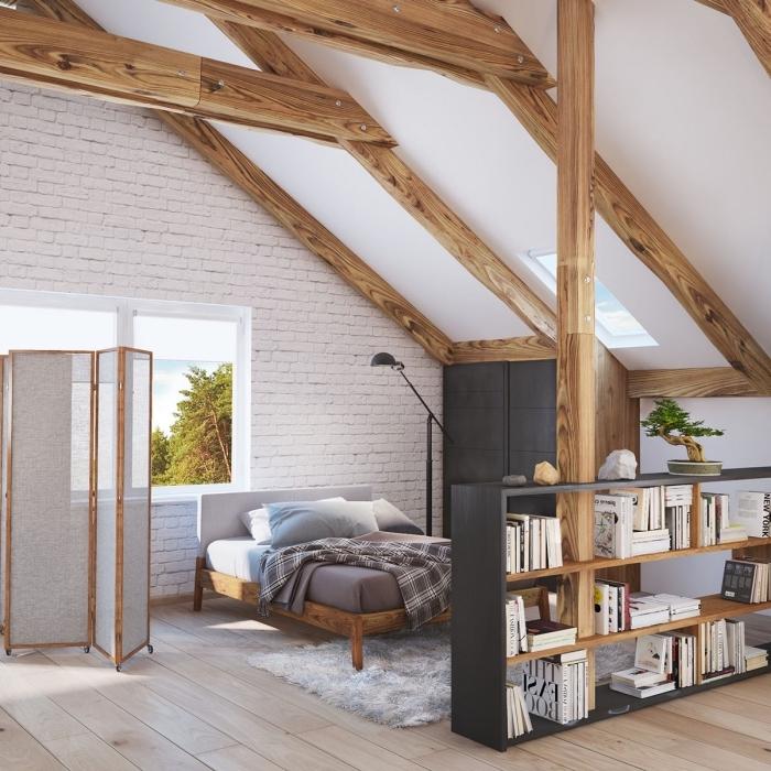 décorer une chambre à coucher ouverte avec meubles de bois et noir mate, idée déco rustique avec poutres apparentes de bois