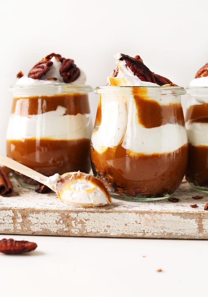 recette de parfait à la purée de citrouille faite maison et à la crème coco-vanille idéal pour un dessert d'automne rapide