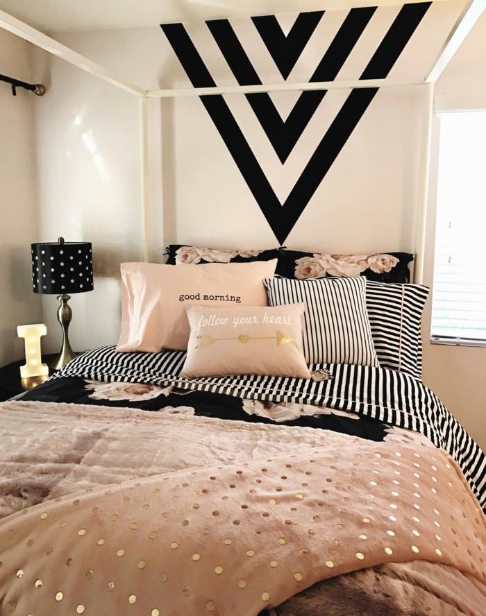 lampe de chevet pointillée, motifs graphiques muraux, lampe abat-jour pointillée, peinture rose poudré, jeté de lit rose pointillé
