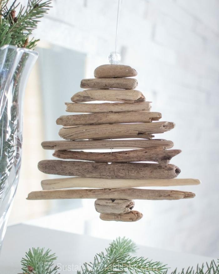 pendentif décoratif sapin de bois flotté, fabrication d'objets en bois flotté