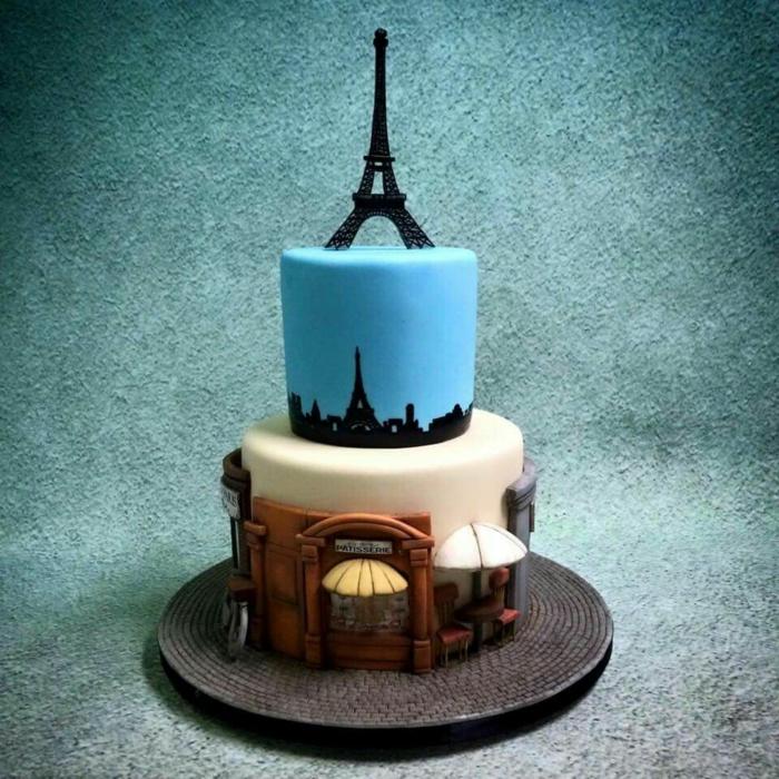 gateau avec la tour eiffel et un maquet des rues de Paris, gateau d'anniversaire personnalisé