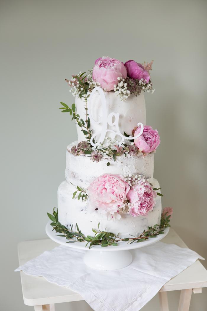 La meilleure idée de gateau mariage qui dit oui, gâteau de merveille décoré de pivoines roses, image de gateau beau