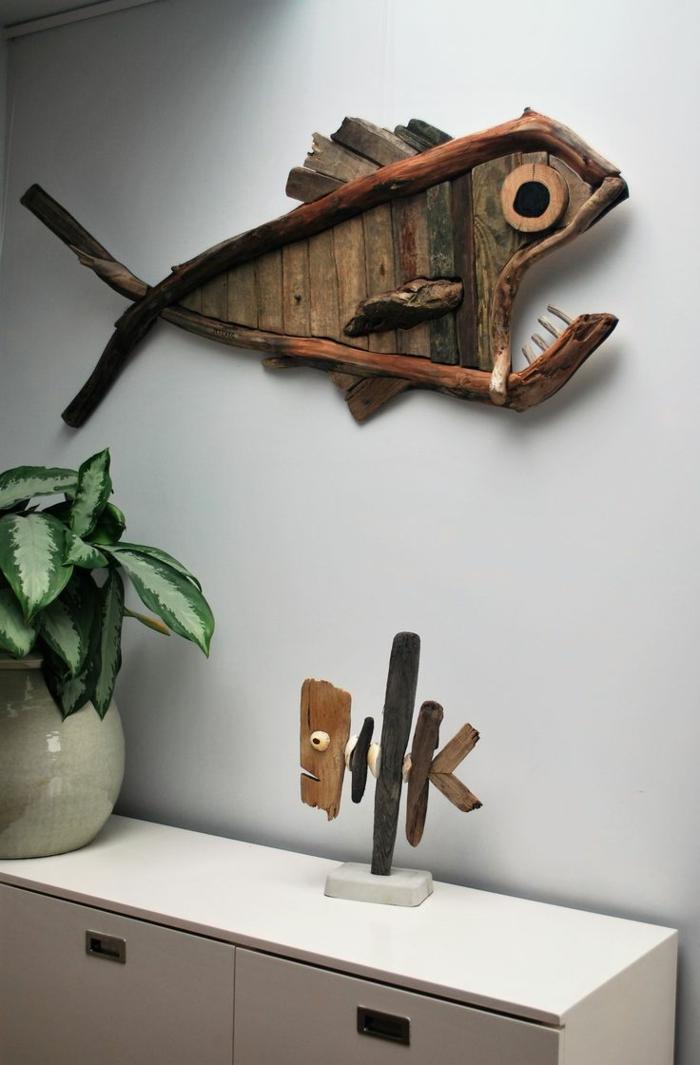 décoration murale bois flotté, poisson en bois créée avec des matériaux collectés au bord de la mer