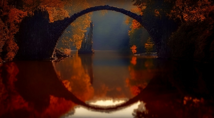 jolie image fond d'écran, pont en forme d'arque, arbres aux feuilles jaunes