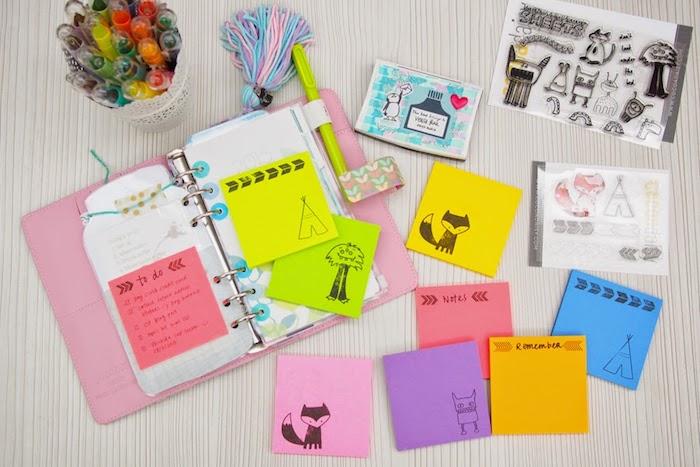 des blocks de post it avec des dessins simples à mettre dans son agenda, idée pour créer un carnet personnalisé