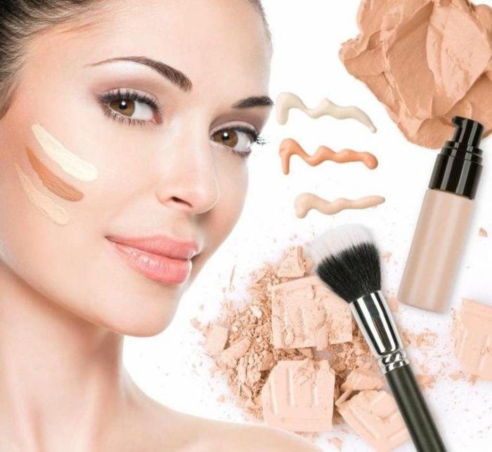idée quel produit utiliser pour faire un contouring facile, mélanger fond de teint base avec teinte foncée et teinte claire pour sculpter le visage