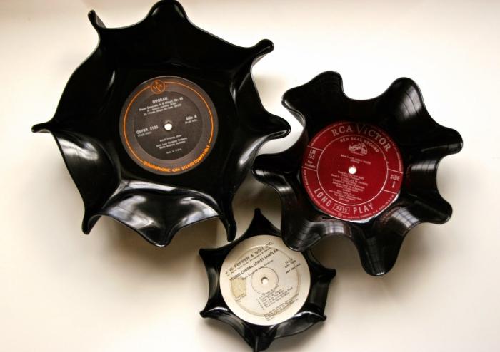 idée originale pour recycler des vieilles disques vinyles en vide-poches, idée de détournement objet