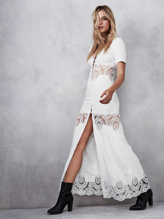 robe mariée bohème, robe champetre chic, robe longue hippie chic, tenue boheme chic avec des bandes en dentelle blanche