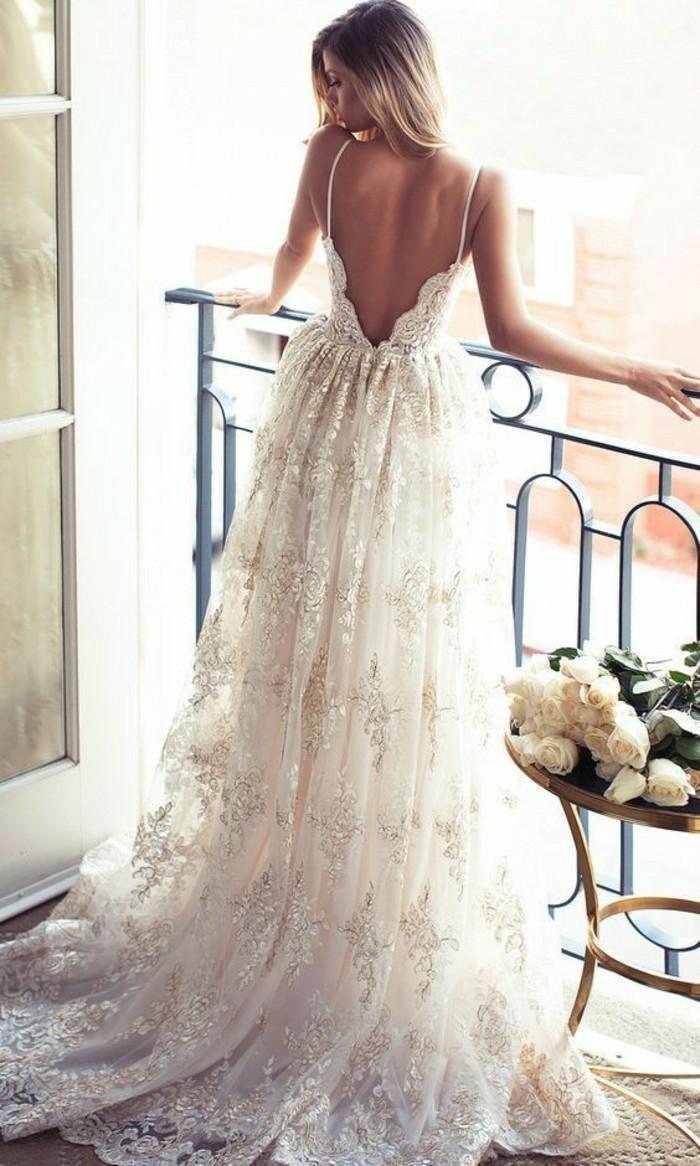 robe longue boheme chic, robe mariée bohème, bretelles fines, tissu semi transparent, robe dos nu dentelle, robe hippie chic dentelle