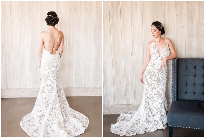 modèle de robe de mariée avec décolleté de dos ouvert accentués par des bretelles fines croisées, robe de mariée dentelle dos nu d'allure vintage