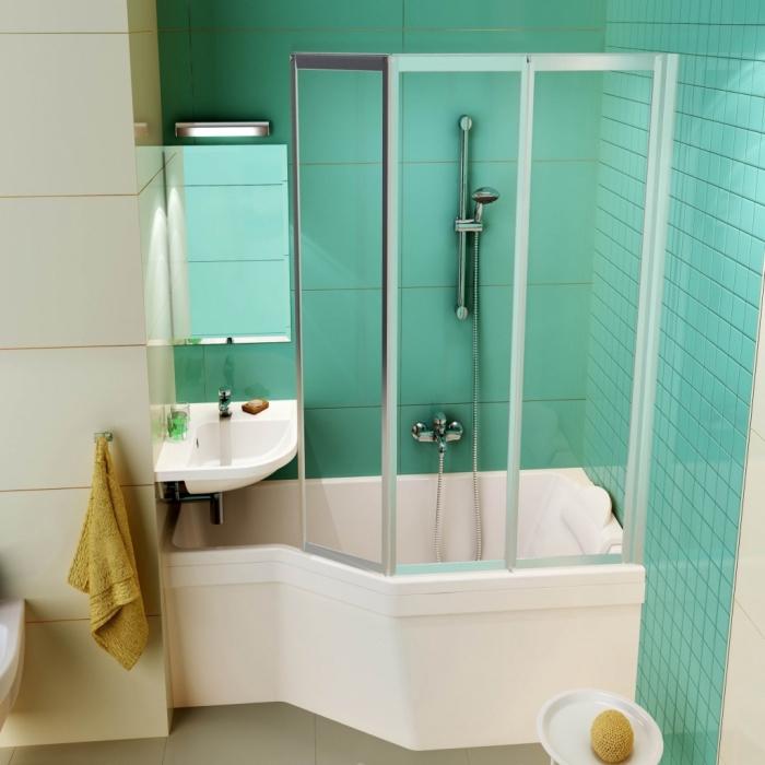 exemple de petite baignoire d angle avec douche, modèle petite vasque d'angle, idée quelles couleurs associer dans une salle de bain