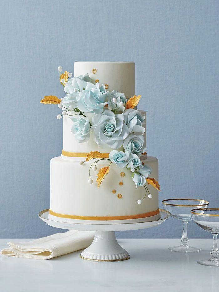 Le plus beau gateau du monde, image de gateau, idée de sujet gateau mariage avec fleurs bleues de pate a sucre