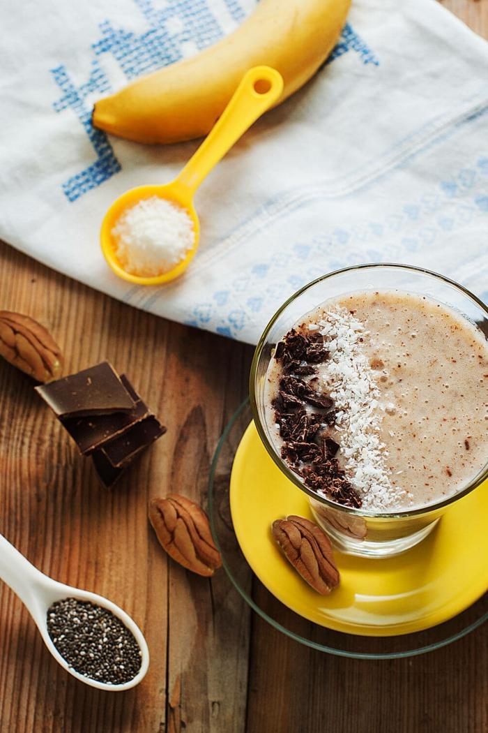 smoothie banane chocolat, mix d'ingrédients antioxydants et énergétisants