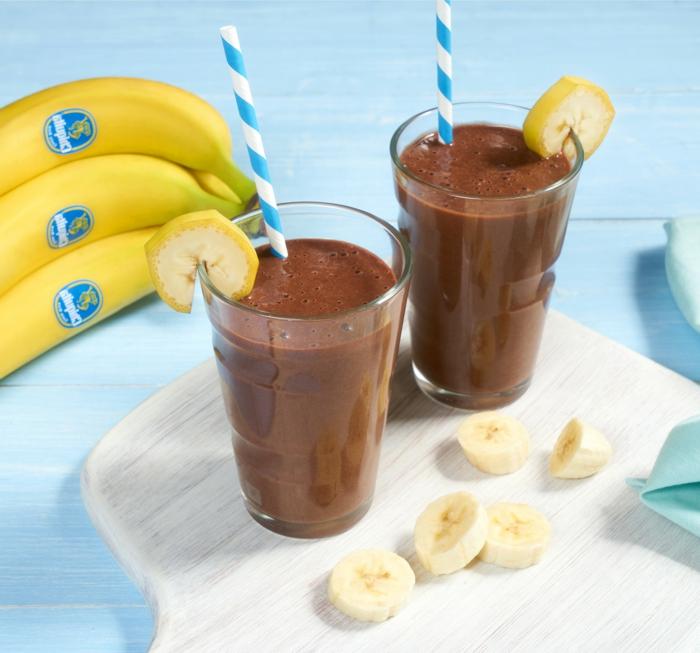 smoothie banane et chocolat, idées repas liquide avec chocolat; smoothie couleur marron