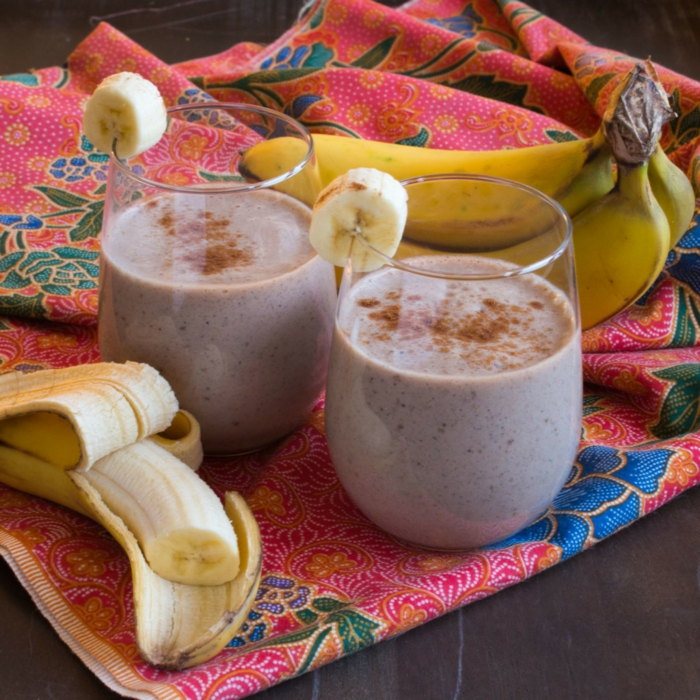 smoothie avec banane lait et cannelle, une recette simple et saine, préparer un smoothie maison