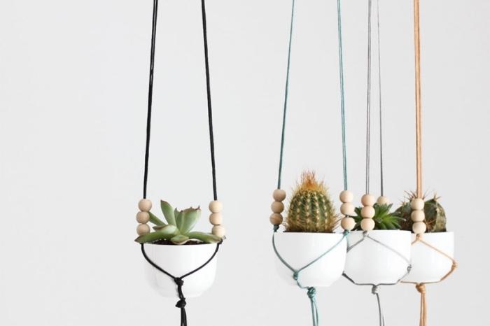 modèles de suspension plante macramé diy en corde coloré, faire une suspension florale en corde et perles de bois pour plantes succulentes