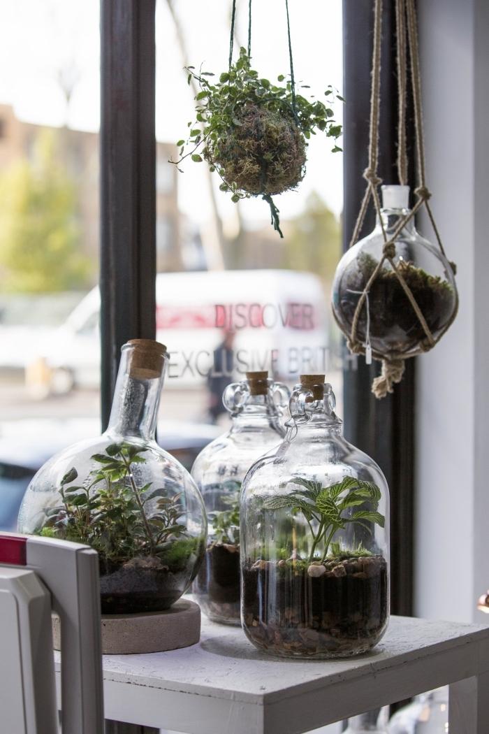 comment faire un terrarium plante bocal facile, modèle de mini jardin suspendu dans un bocal avec suspension macramé