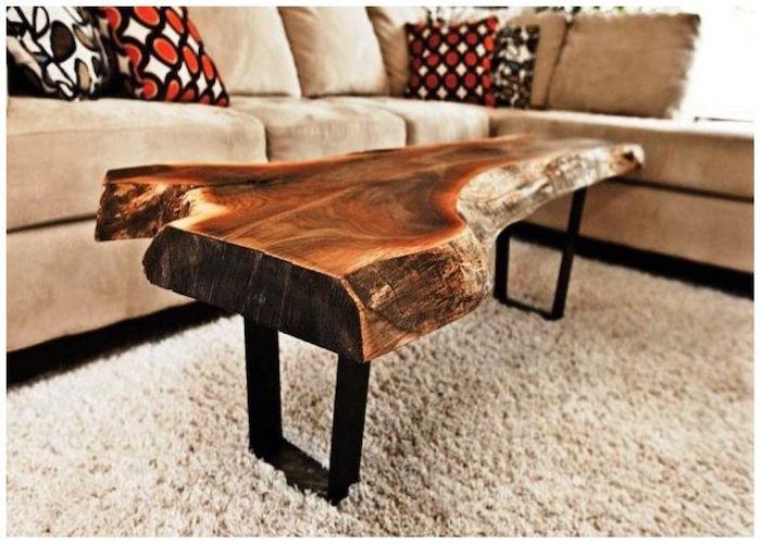 photo table basse bois massif design en longueur vernis sur pieds métal