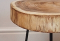 Table basse en tronc d'arbre – le meuble diy qui cache la forêt
