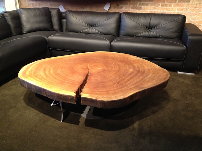 Table Basse En Tronc D Arbre Le Meuble Diy Qui Cache La