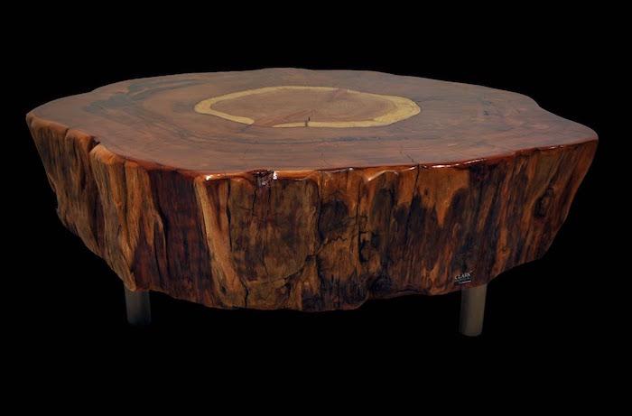 modele table basse bois massif vernis sur pieds métal comme meuble déco luxe pour salon