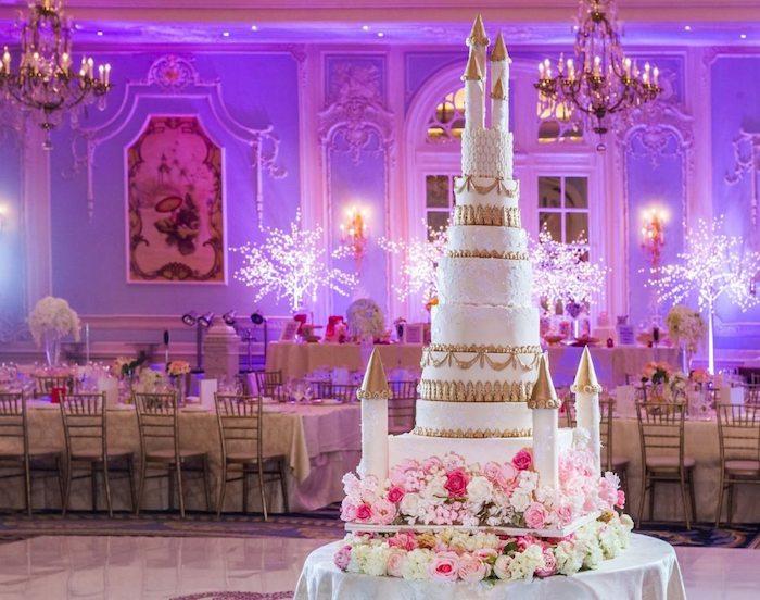 Image de gateau wedding cake mariage sujet, gateau mariage simple les mariés geante chateau, gâteau château de merveilles