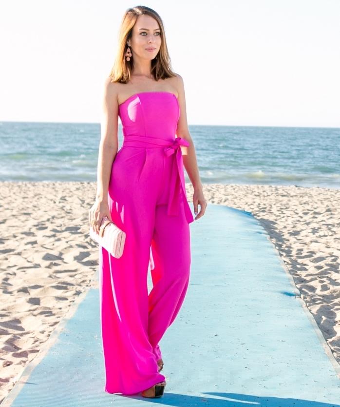 idée quelles couleurs porter à un mariage, modèle de combinaison bustier à jambes fluides de nuance rose fuschia