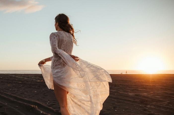 robe longue boheme chic, vetement boheme romantique, vetement hippie chic, tenue boheme chic, mariée hippie au coucher du soleil, danse romantique