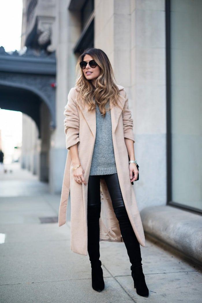 Cuissarde jean combinaison, cuissardes cuir comment s habiller quand on est petite, jean et bottes à la meme couleur pour un look allongé