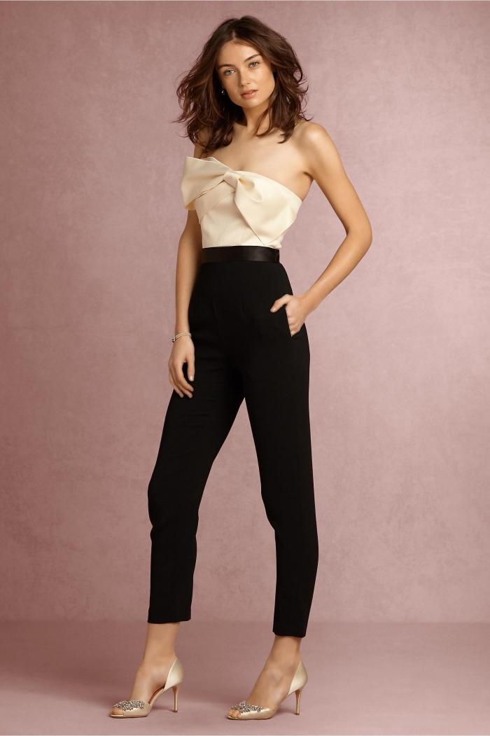 combinaison chic femme pour mariage en pantalon noir skinny avec ceinture et top beige à bustier asymétrique