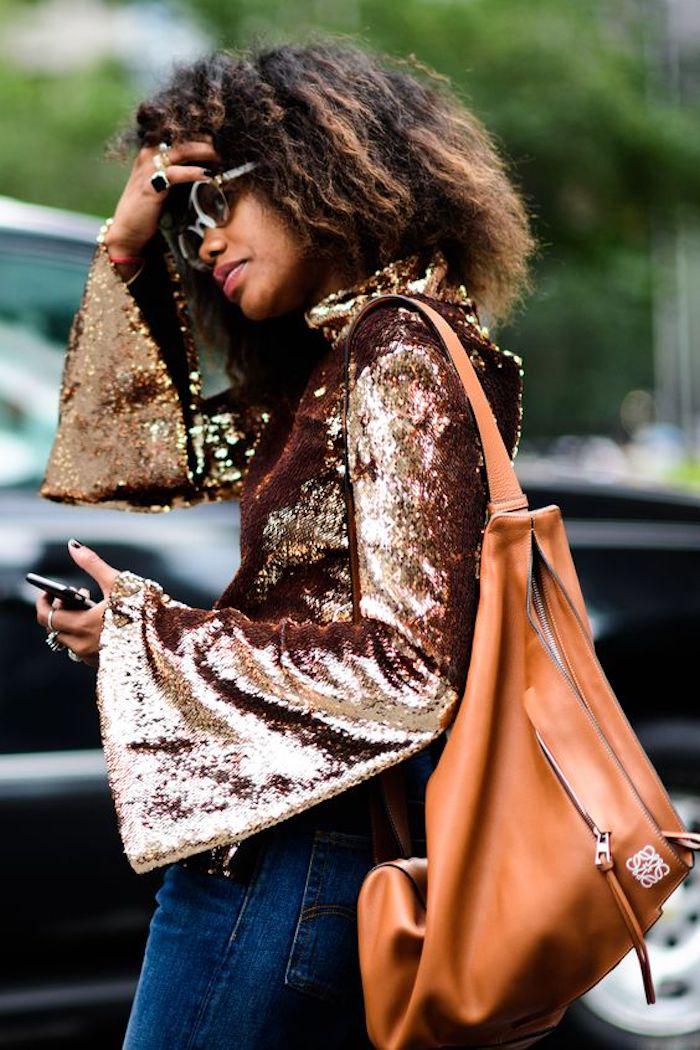 Habit inspirée par le style année 80, blouse en paillettes vetement année 80, tenue sylée à essayer pour la soiree