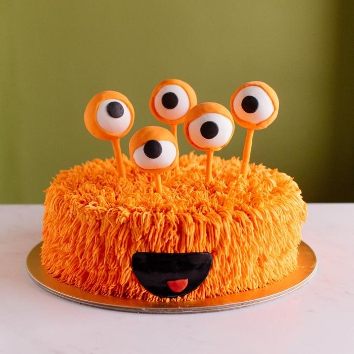 exemple de gâteau effrayant pour Halloween, idée quel gâteau pour anniversaire enfant sur le thème d'Halloween