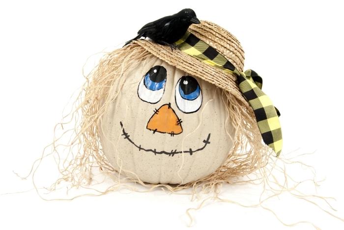 modèle de citrouille blanche décorée avec chapeau et à dessin visage mignon, activité manuelle d'automne pour enfants