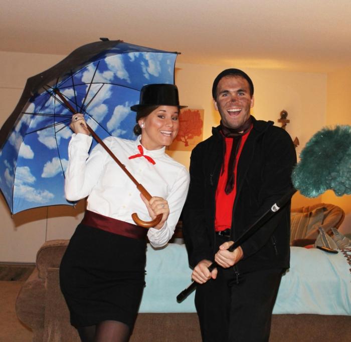 Mary Poppins, parapluie bleue aux nuages blancs, chemise blanche, deguisement duo facile pour halloween