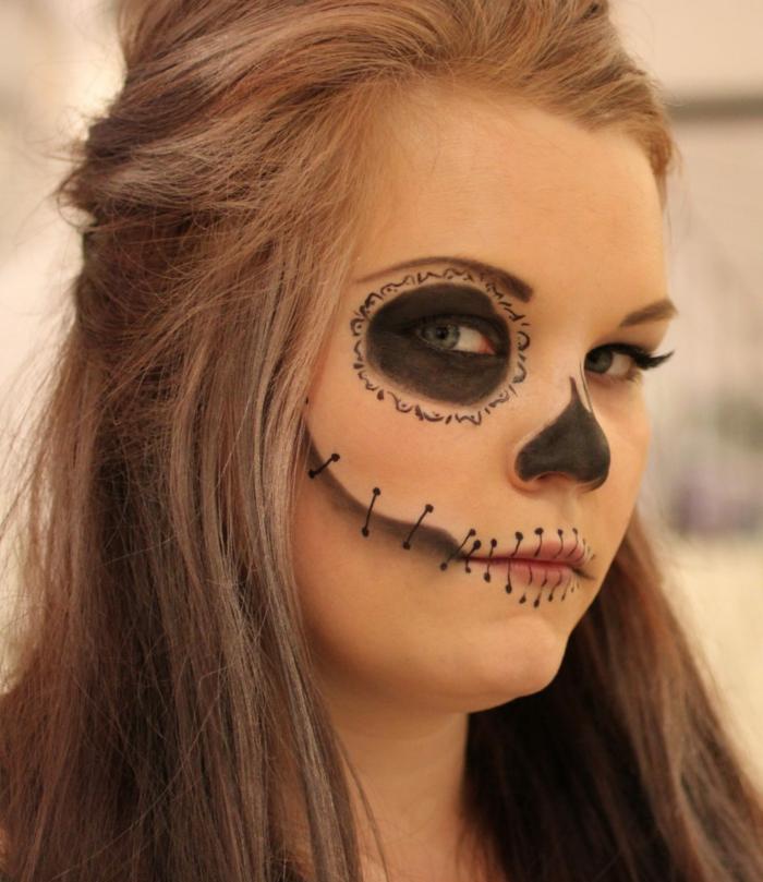 lèvres grotesques, nez peint, oeil noir, maquillage halloween femme facile, peinture sur visage