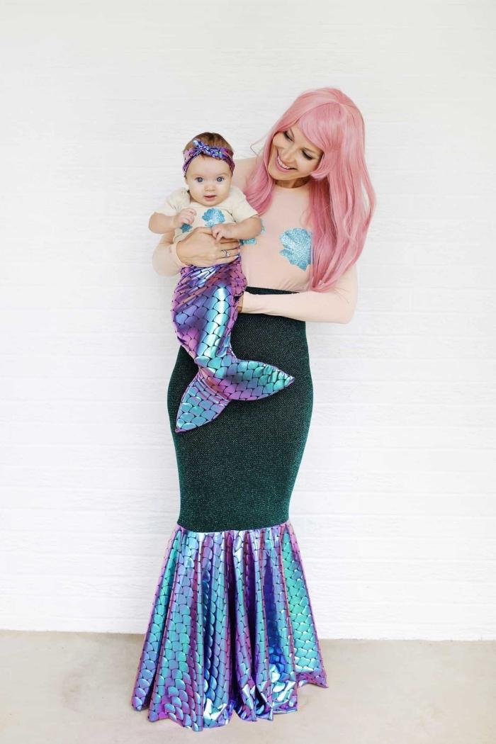 exemple de déguisement original Halloween pour parent et enfant, costume de mère sirène et bébé en mini costume sirène DIY