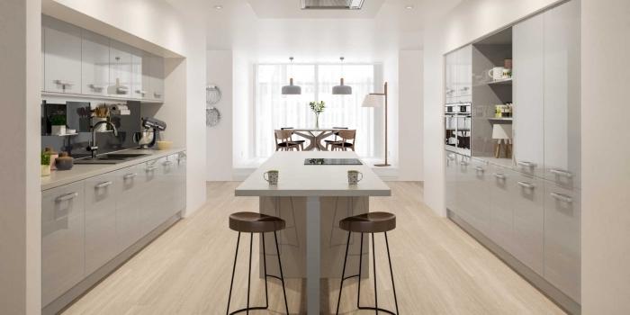 déco de cuisine avec îlot central au centre, modèle équipement moderne cuisine avec meubles à design laqué